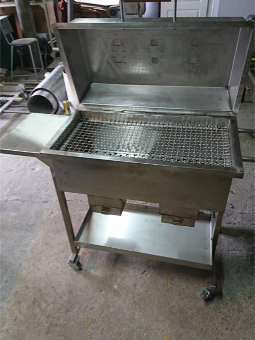 grill nierdzewny 1